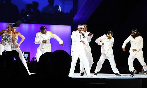 Photo of rapper Hammer and crew performing at Dreamforce 2012