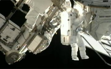 Spacewalk Expedition 33