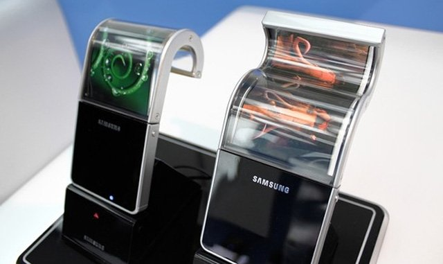 Samsung flexible phones. Source: WSJ