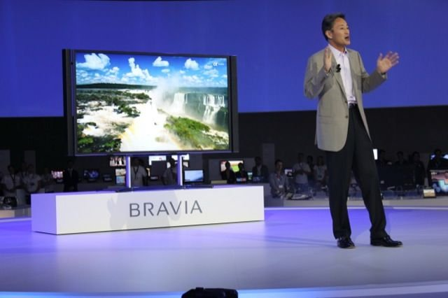 Sony&amp;#39;s Kaz Hirai shows off 4K TV