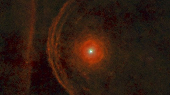 Betelgeuse&amp;amp;amp;#39;s enigmatic environment