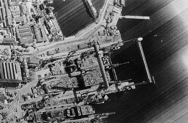 The leaked KH-11 image showing the Nikolaiev 444 shipyard