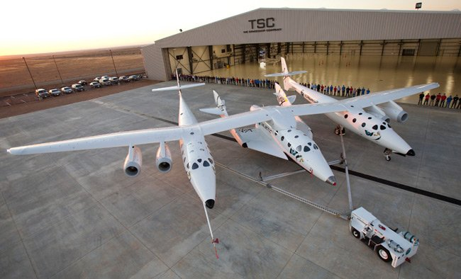 Virgin Galactic spaceship and mothership on the tarmac in Mojave, California. Pic: Virgin Galactic