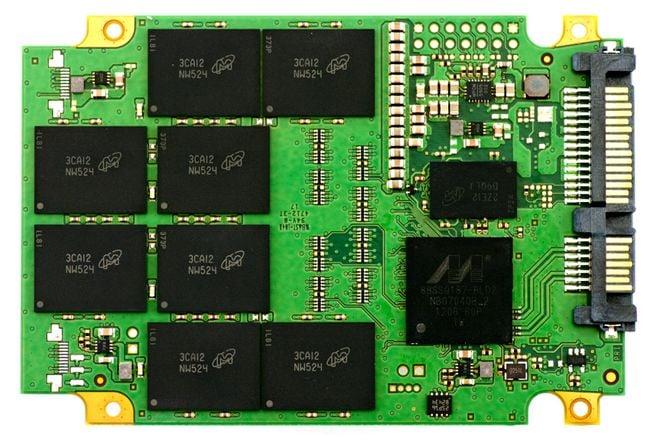 Crucial M500 SSD internals