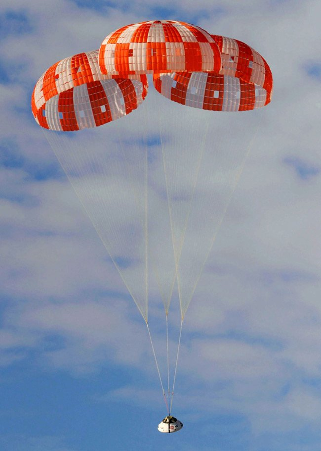 Parachute test of a dummy Orion capsule at U.S. Army Yuma Army Proving Grounds in southwestern Arizona. Photo: NAS