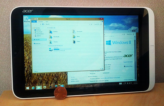 Photo showing the Windows 8 desktop on an Acer Iconia W3