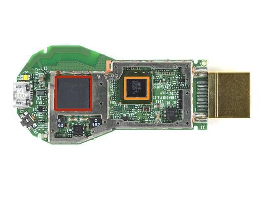 Google Chromecast logic board: wireless and SoC