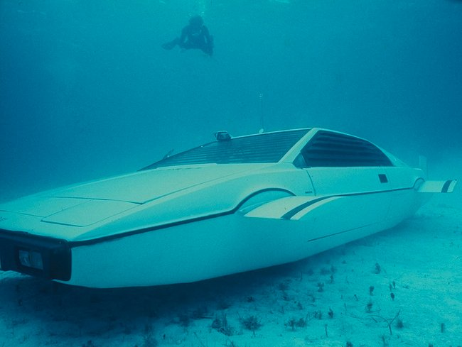 james bond submarine lotus