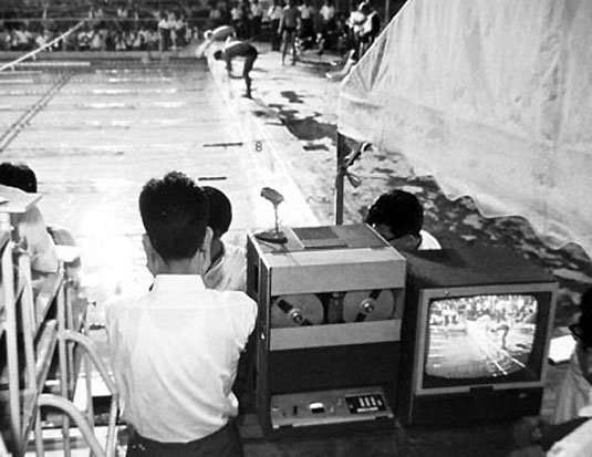 Sony PV-100 Videocorder at a OB swimming event
