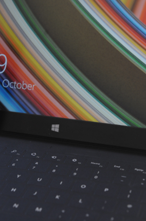 Surface Pro 2 keyboard and screen, photo; Gav