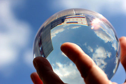 Crystal ball via http://www.manoftaste.de/