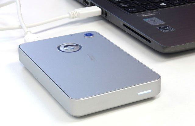 Hooked up to an HP ZBook with Thunderbolt