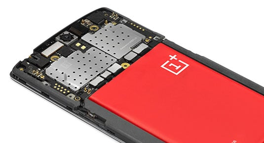 Photo of the internals of the OnePlus One