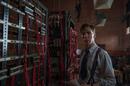 Alan Turing (Benedict Cumberbatch) and the Bombe machine