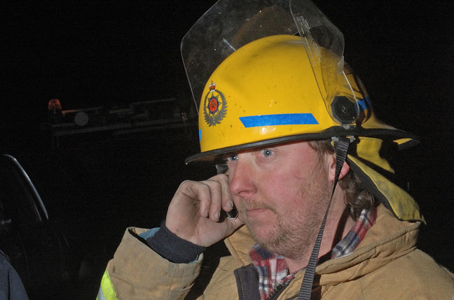 shutterstock_194520218_fire_brigade_radio