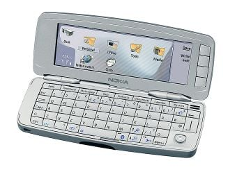 Nokia 9300 Communicator - open
