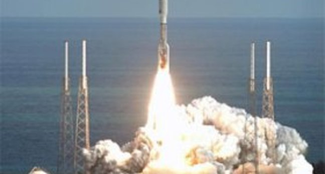 New Horizons blasts off. Photo: NASA