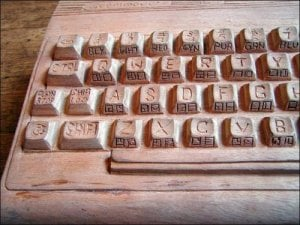 That wooden Commodore 64 keyboard in full