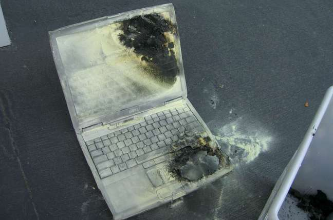 dell laptop fire damage - image courtesy tom's hardware guide