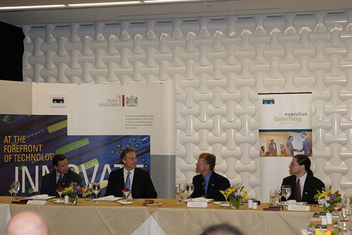 Shot of HP CEO Mark Hurd, Tony Blair, Cisco CEO John Chambers and Sun CEO Jonathan Schwartz
