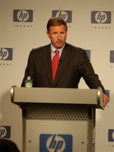 Shot of HP CEO Mark Hurd at press conference