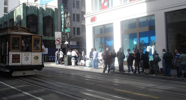 The line for the Apple iPhone - not the cable car.