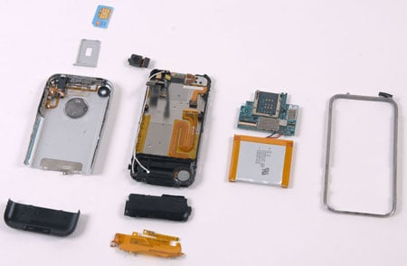 Apple's iPhone in bits - image courtesy ifixit.com