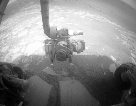 Opportunity starts exploring Victoria crater