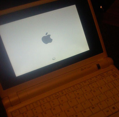 Eee PC running OS X - image courtest uneasy silence