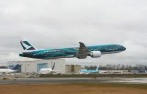 777 low-fly incident at Everett Airport