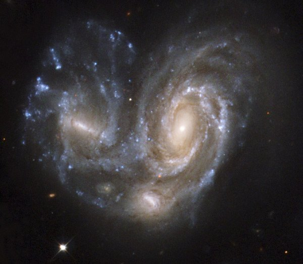 Hubble snap of Interacting Galaxy NGC 6050