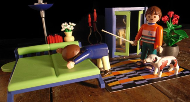 Playmobil reconstruction of the Moderatrix whipping errant commentator