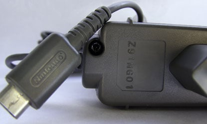 Nintendo_charger_02
