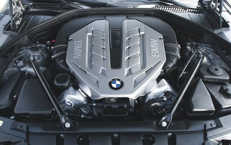 BMW 750li / ActiveHybrid engine