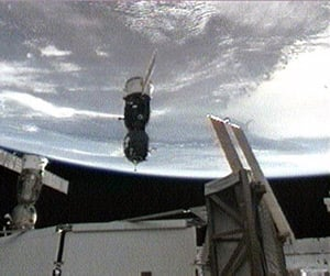 The Soyuz TMA-13 approaches the International Space Station. Pic: NASA