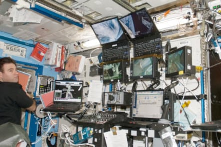 Greg Chamitoff in the ISS's Destiny lab