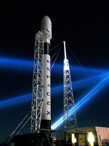 SpaceX erects Phallus Falcon 9 rocket • The Register