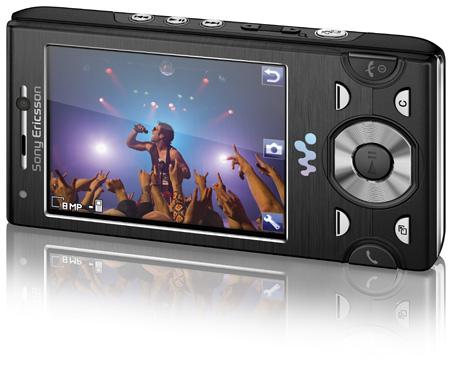 Sony Ericsson W995 Walkman phone