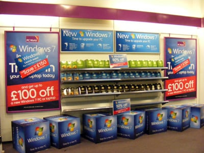Windows 7 on PC World shelves