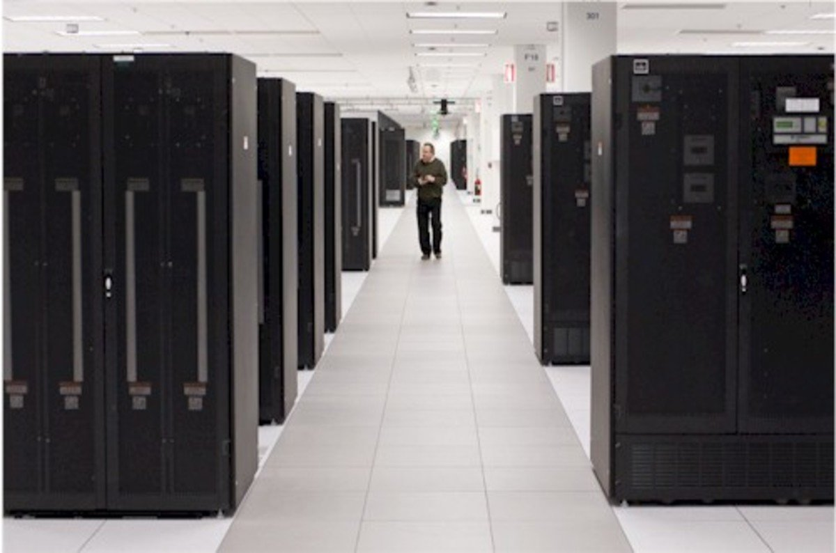 IBM leaps aboard the software-defined stuff bandwagon ...