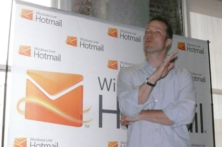 Microsoft's Chris Jones previews next hotmail