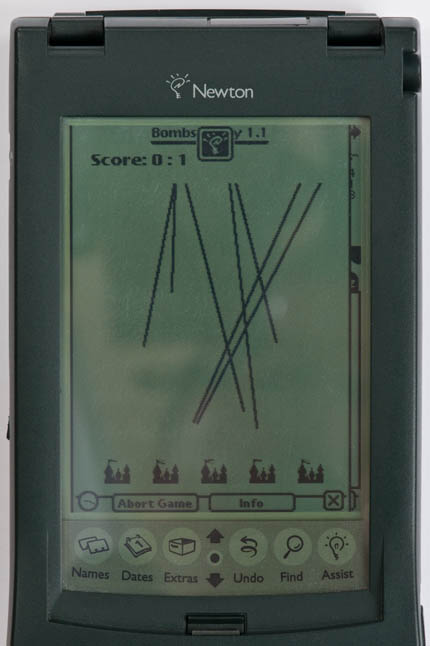Newton MessagePad 120 - 'Bombs Away' game screenshot