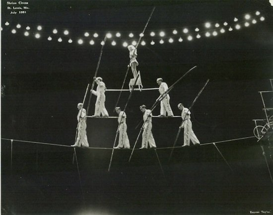 Image of Wallendas performing pyramid act