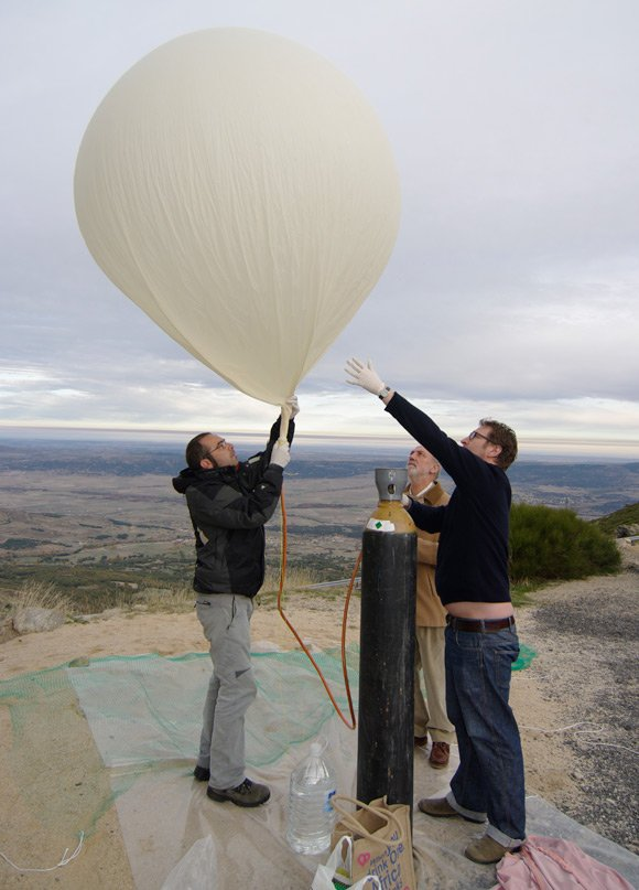 The balloon begins to fill
