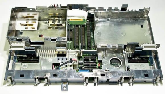Apple Macintosh Portable: logic-board cage
