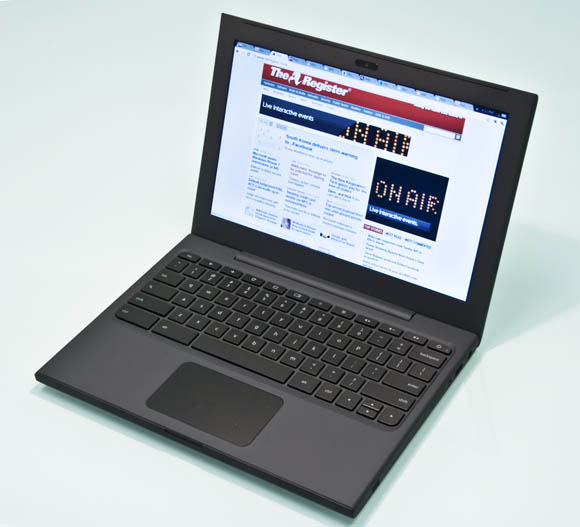 Google Chrome OS-equipped Cr-48: three-quarter view