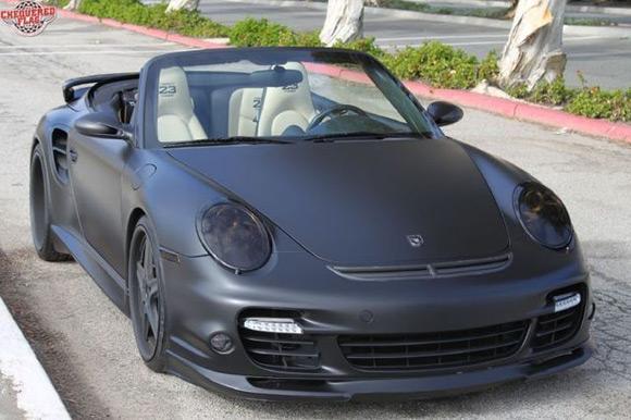 Back's black Porsche