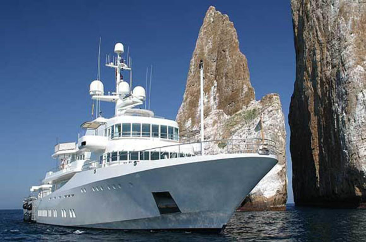 Texas Students Hijack Superyacht With Gps Spoofing Luggage