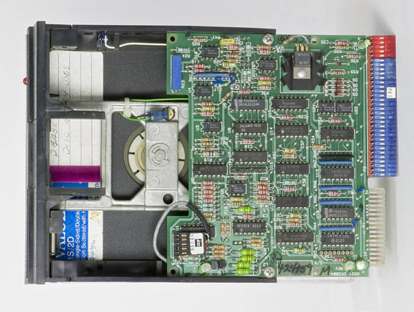 Osborne 1, second version - 5.25-inch floppy drive, top