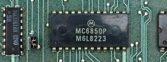 Osborne 1, second version - asynchronous communications interface chip
